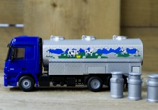 Siku Melktank vrachtwagen